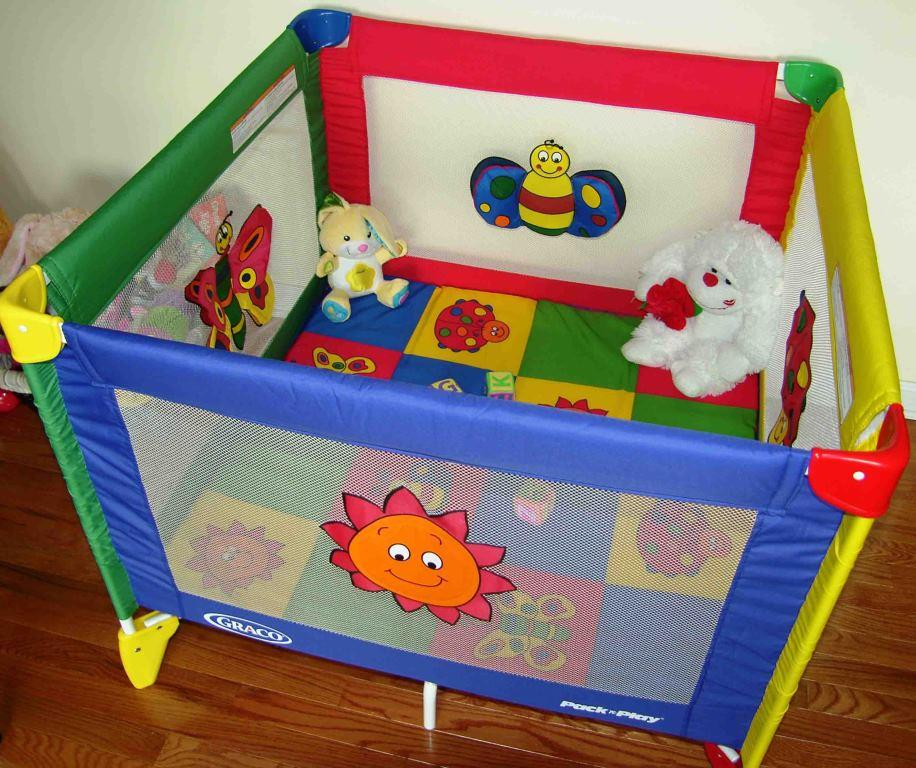 Full Size Play Pen For Babies An Old Fashioned Playpen